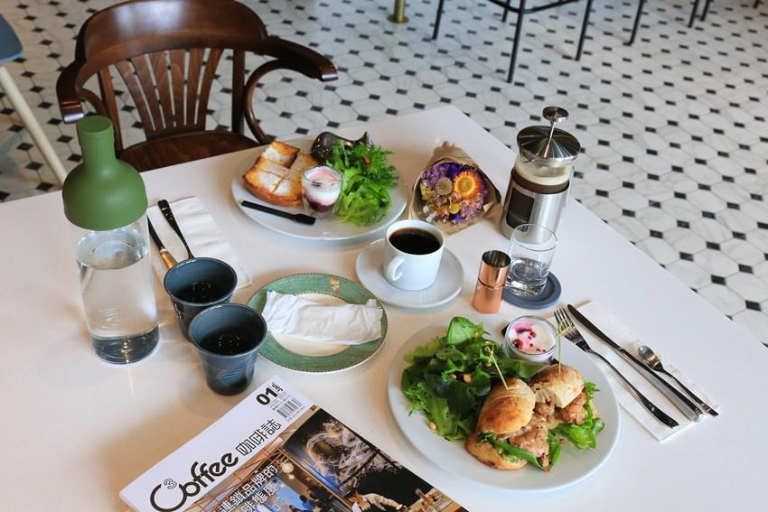 【台南早午餐】L'esprit café:大推布里歐法式吐司、斯里蘭卡紅茶,吃過回不去。早午餐、甜點,就連飲料都很到位的高質感選擇~