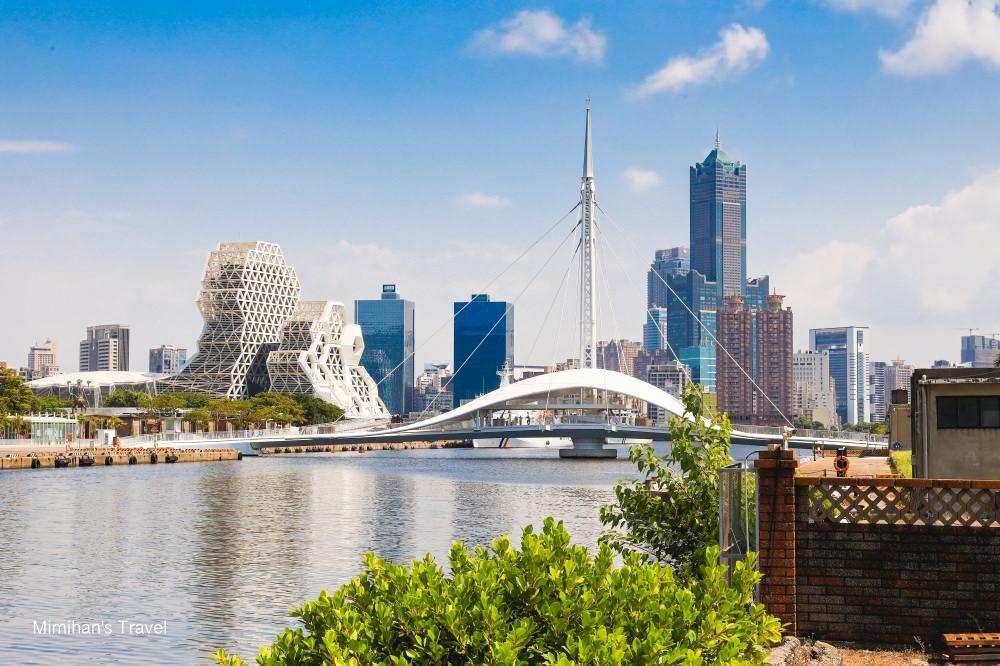 高雄最新景點-大港橋、流行音樂中心&85大樓同框