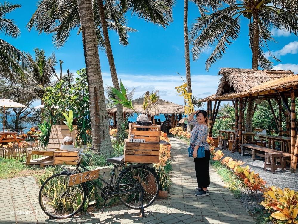 台東景點|可可娜咖啡Coconut(附菜單):南洋海景咖啡廳,椰林茅草屋心情秒飛出國