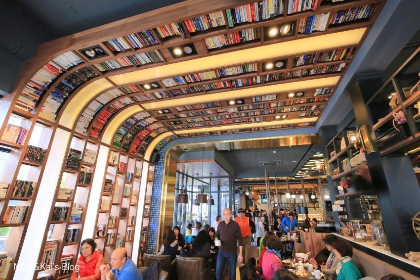 【台中咖啡店】卡啡那 Caffaina Coffee 大墩店:每日限定舒芙蕾令人驚艷,超美天花板書牆吸睛100%。有插座 網路 不限時間