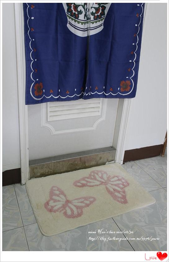 在沐浴完後,畫下美麗句點的織花踏墊-粉蝶+古典美